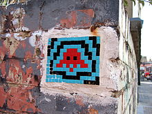 220px-Space_Invader_-_2007_-_Shoreditch_-_1