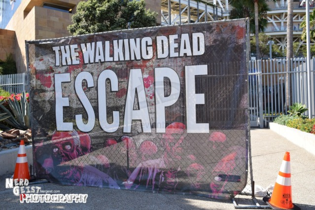 the_walking_dead_escape__san_diego_comic_con_2014__by_nerdgeist-d7vuq74