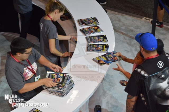 view_from_warner_bros_booth_at_sdcc_2014_by_nerdgeist-d7vt6gv