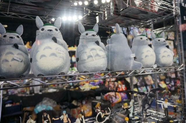 totoro_at_belfast_film_and_comic_con_2014_by_nerdgeist-d84jo8d
