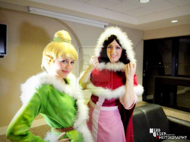 "Courtney ""Courtoon"" Morelock as Tinkerbell and Michelle D'Antonio 'Missyeru' as Winter Bell at Eirtakon 2014"