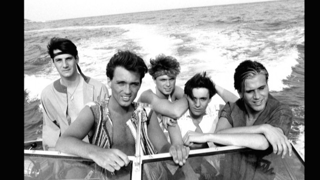 KEY-IMAGE-BOYS-ON-A-BOAT-courtsey-of-submarine-Film-copy-1160x652