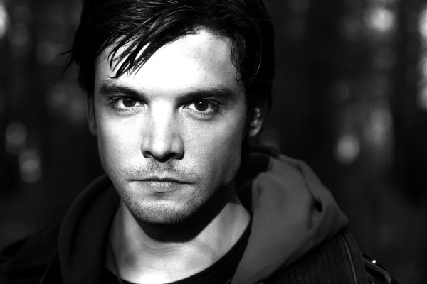 Andrew-Lee-Potts