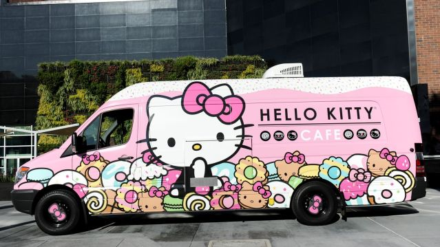 01_Hello_Kitty_Cafe_Truck_-_exterior.0.0