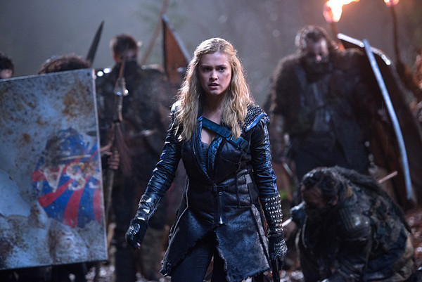 "The 100 -- ""Blood Must Have Blood, Part One"" -- Image HU215B_0247 -- Pictured: Eliza Taylor as Clarke -- Credit: Diyah Pera/The CW -- © 2015 The CW Network, LLC. All Rights Reserved"
