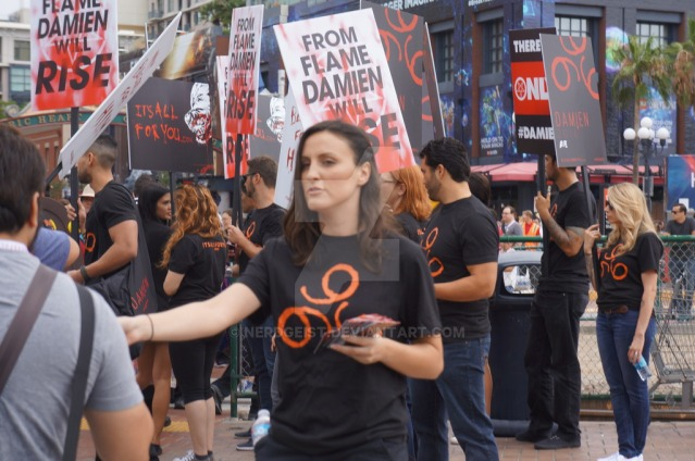 damien_marketing_at_sdcc_2015_by_nerdgeist-d96knh3