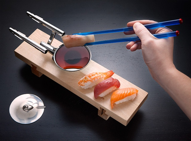 f375_uss_enterprise_sushi_set_inuse