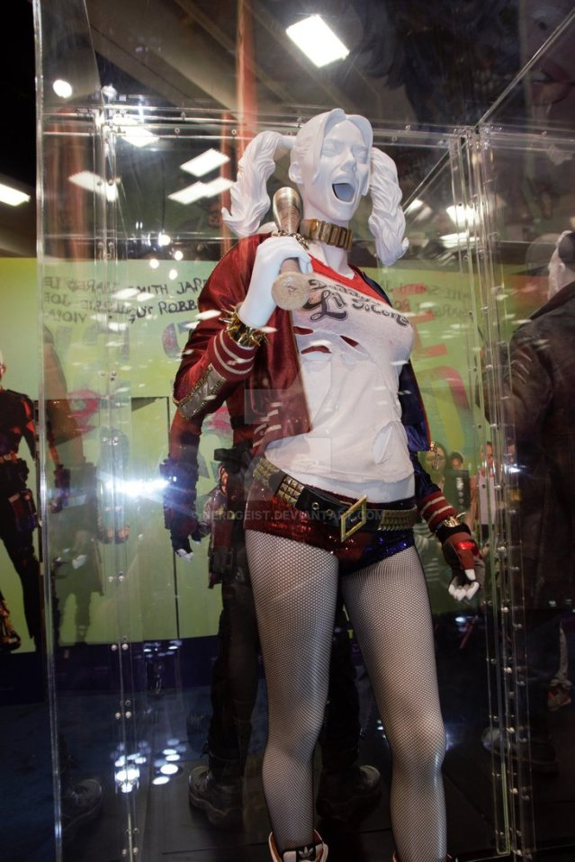 harley_quinn_suicide_squad_costume_at_sdcc_2016_by_nerdgeist-dabbd8v